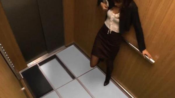 Bí kíp giúp bạn khi thang máy rơi tự do