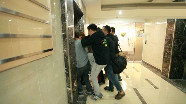 Tại sao thang máy chung cư hay bị hỏng ?