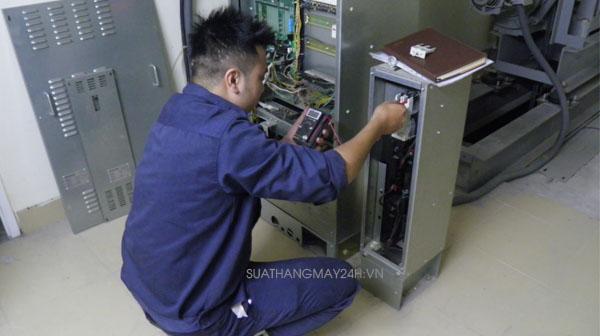Hướng dẫn vệ sinh tủ điện điều khiển thang máy