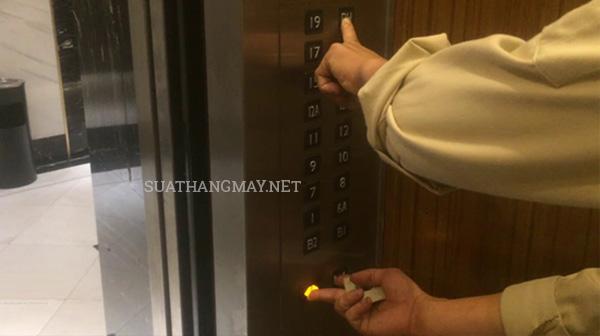 4 cách khóa thang máy đơn giản
